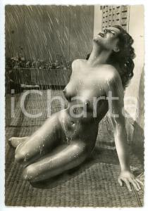 1950 ca VINTAGE EROTIC Nude woman under the rain - Photo risque 10x15