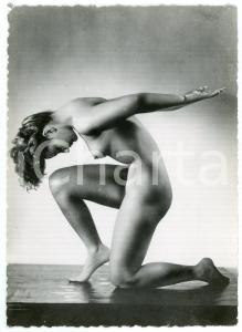 1950 ca VINTAGE EROTIC Nude woman model in a classical pose - Photo risque 10x15