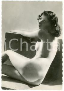 1950 ca VINTAGE EROTIC Nude woman sitting leg up - Photo risque 10x15 cm