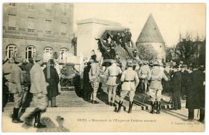 1920 METZ Monument de l'Empereur Frédéric renversé - Carte postale CPA