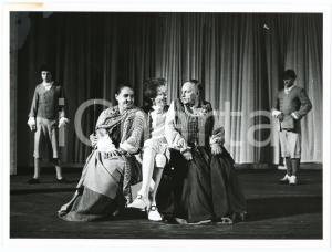 1980 ca ITALIA TEATRO Spettacolo - Foto di scena (1) 24x18 cm