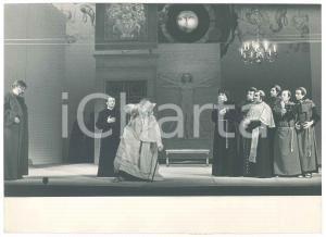 1980 ca TORINO - TEATRO STABILE - Uno spettacolo - Religiosi *Foto di scena