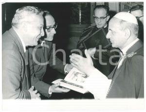 1970 ca ROMA Papa PAOLO VI in udienza con mons. Pasquale MACCHI - Foto