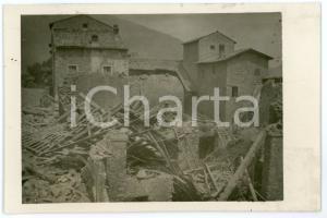 1915 ca WW1 - PIOVENE ROCCHETTE Soldato tra le macerie di una casa - Foto 13x8