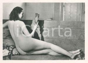 1940 ca EROTICA VINTAGE Naked woman with hand mirror - Photo VÉRONÈSE 9x6 cm