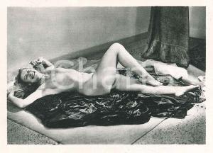 1940 ca EROTICA VINTAGE Nude lady on the floor - Photo VÉRONÈSE 9x6 cm