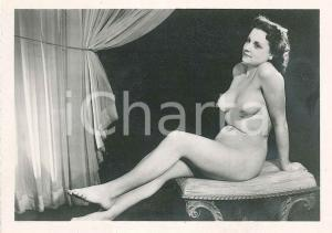 1940 ca EROTICA VINTAGE Nude girl posing on a curule seat - Photo VÉRONÈSE 9x6