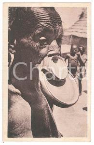 1920 ca FORT-ARCHAMBAULT (TCHAD) Femme à plateau SARA-KABA Carte postale FP VG
