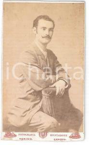 1890 ca. TORINO - Ritratto di giovane uomo seduto *Foto BERTELLI, SOTTERI, BOSCO