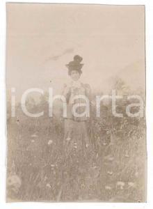 1900 ca. ITALIA - Donna con ombrellino - Fotografia anonima