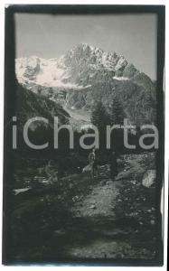 1920 Area di LIVIGNO - Escursionisti presso un torrente - Foto VINTAGE 9x14 cm